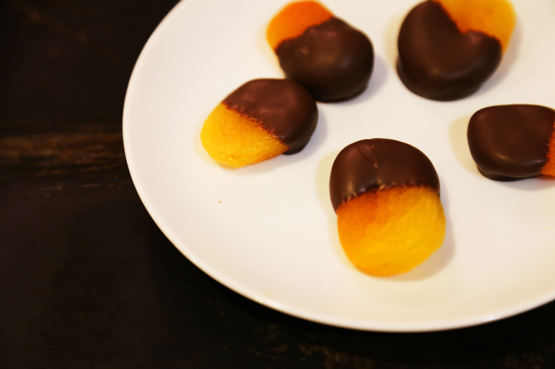 Apricot Acorns Plated