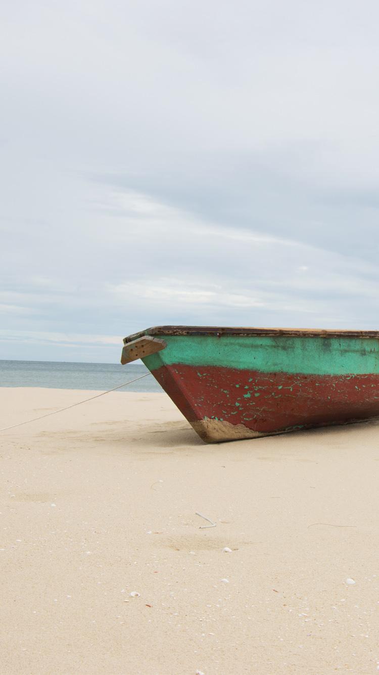 Beach Boat Wallpaper